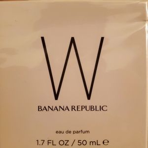W by Banana Republic